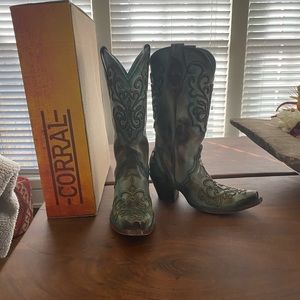 Women's corral boots size 7